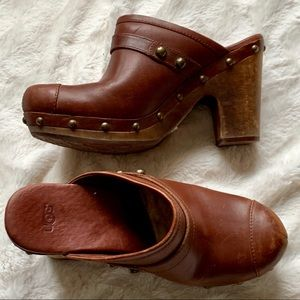 UGG chestnut leather wooden clogs shearling lined